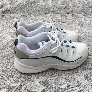 Easy spirit Walk/Run shoe leather upper size7 NWOT